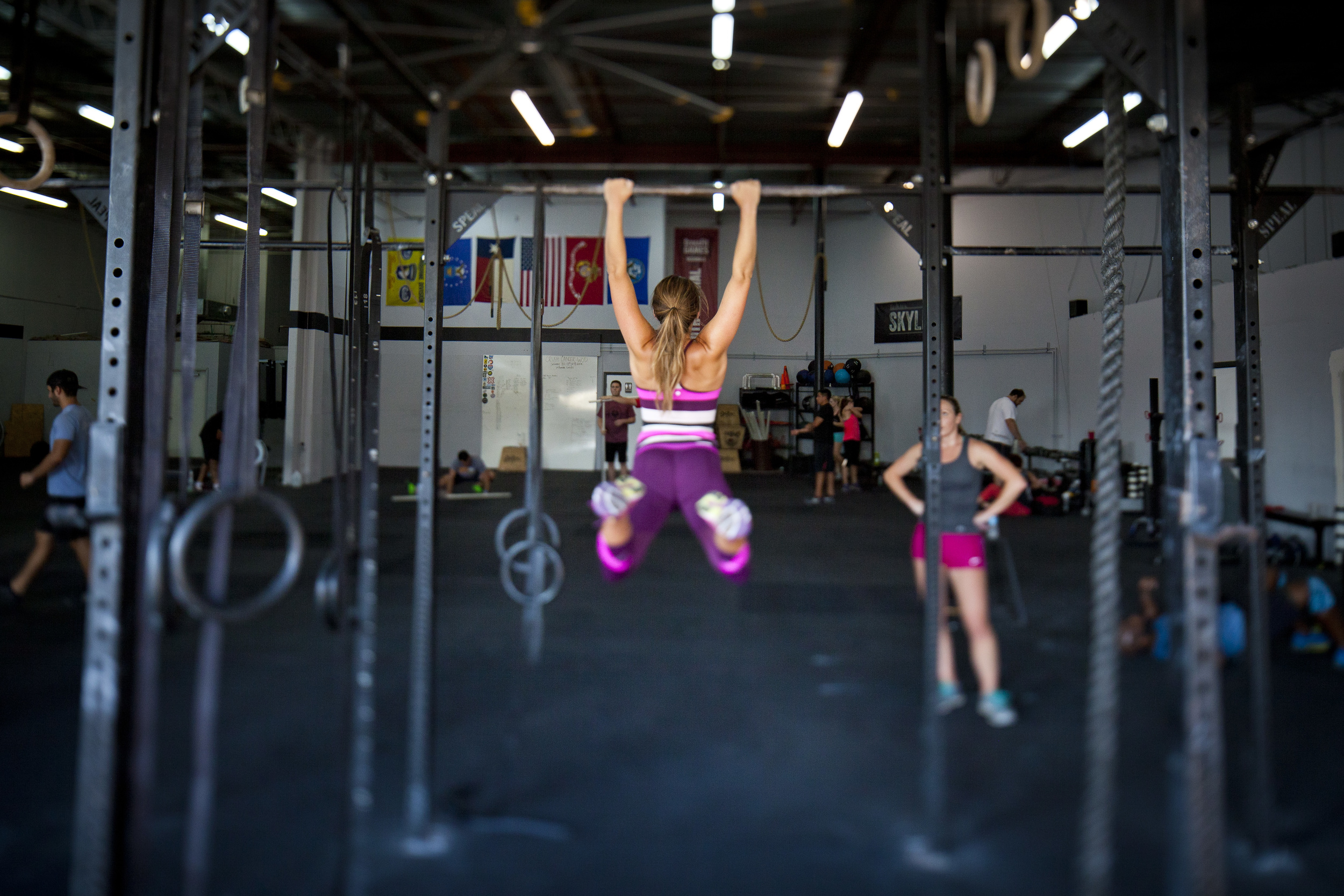 Macy and Kari knocking out some pull-ups.