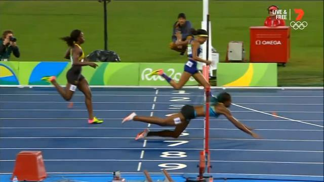 The finish of the Womens 400m sprint.