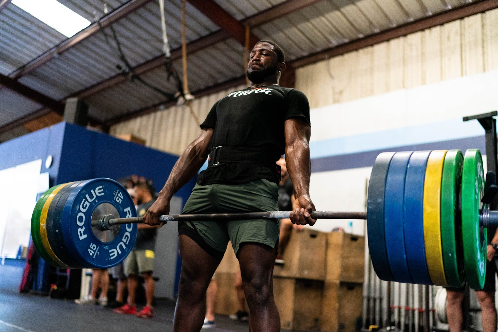 Skyline athlete Tobi hits a 485# deadlift with room to spare.