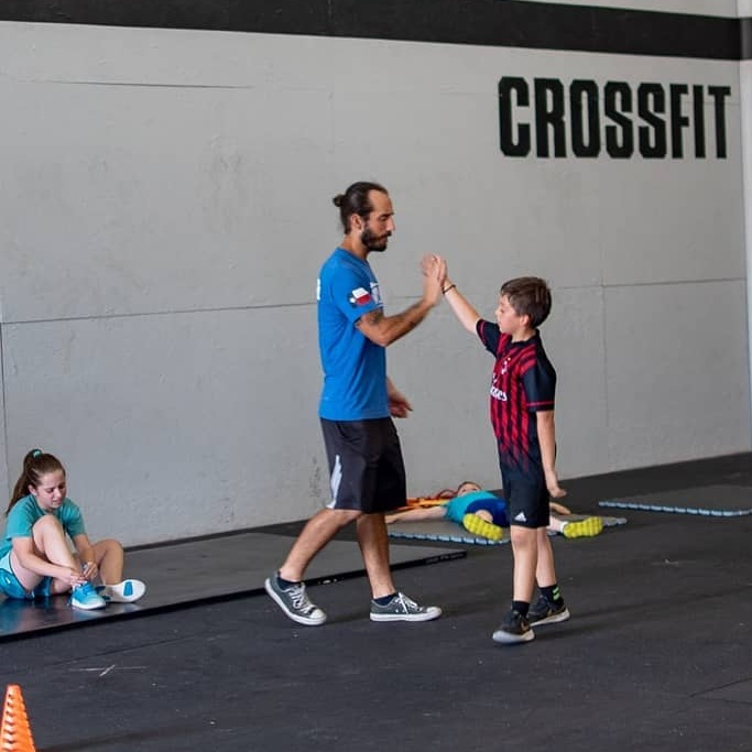 At Skyline CrossFit Kids our goal is to have fun, move, and build confidence! Come see us Sunday 1pm (6-11 yr olds) and 2pm (9-13 yr olds)
