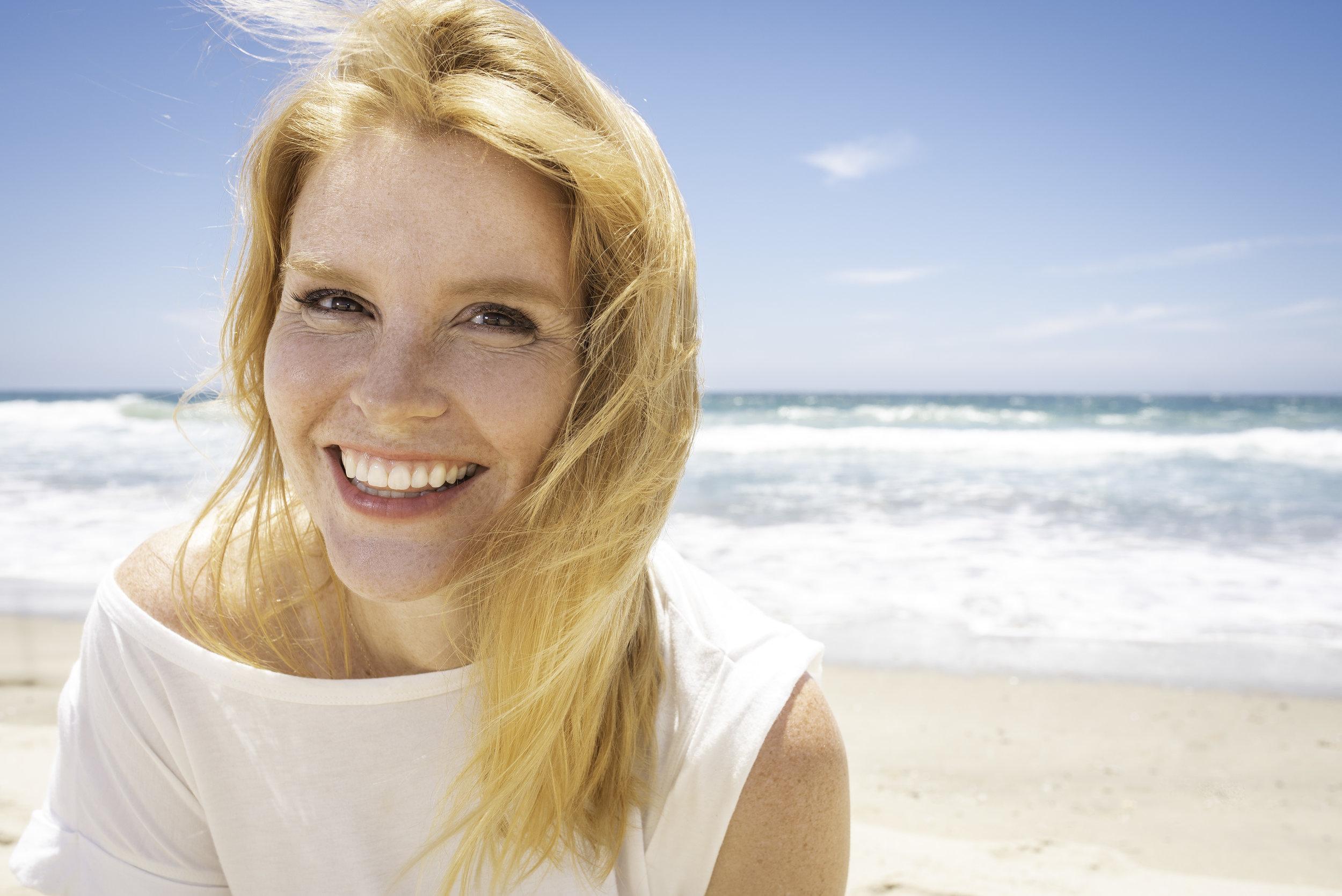 Photographer- Lauren Schiff. Actor- Leslie Shires.
