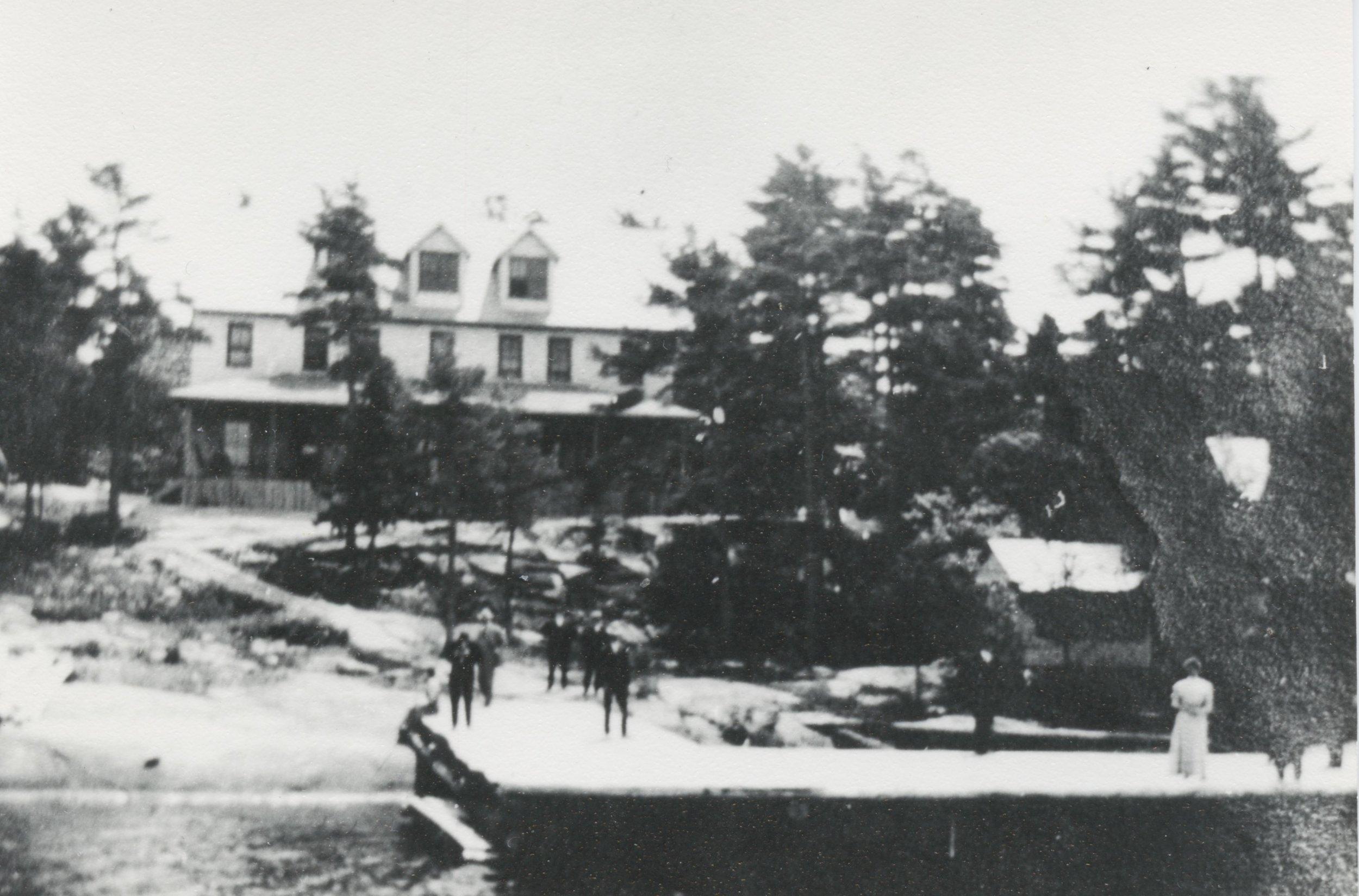1907 Ojibway Hotel David Rogers Album.jpeg