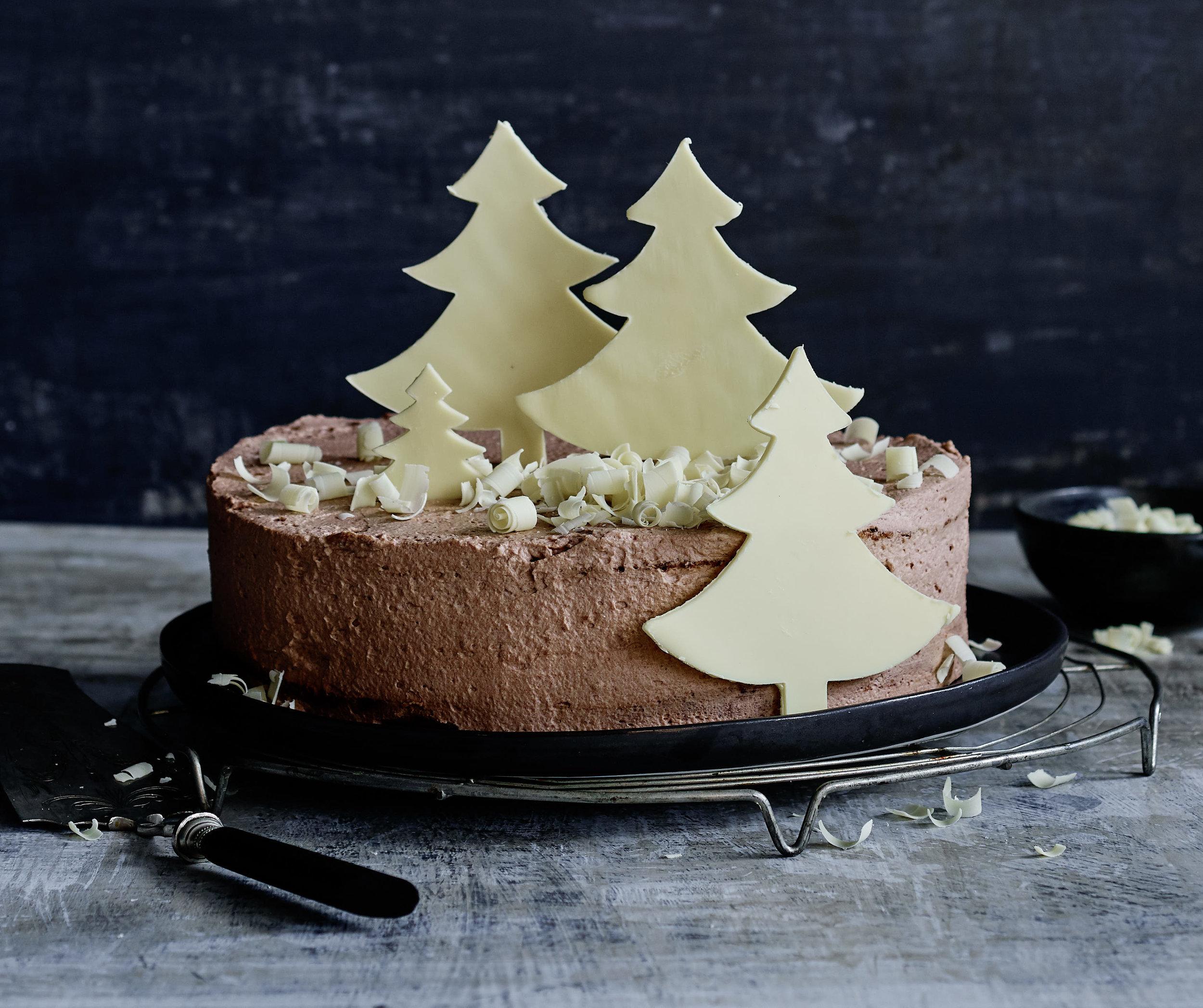Verschneite Schwarzwälder Torte.jpg