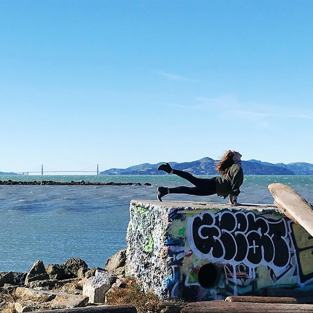 Missing the bay and dancing today. Happy Monday ☀️ 📷 @sarav23 . . . . #bayarea #dancer #sfbayarea #eastbay #beautiful #bridges #oceanlover