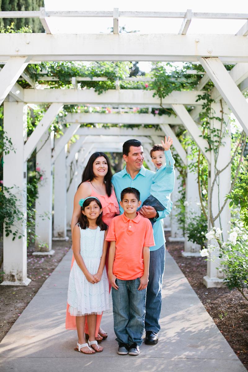 lacy park san marino family portraits-7731.jpg