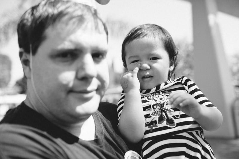 disneyland family portraits-5530.jpg