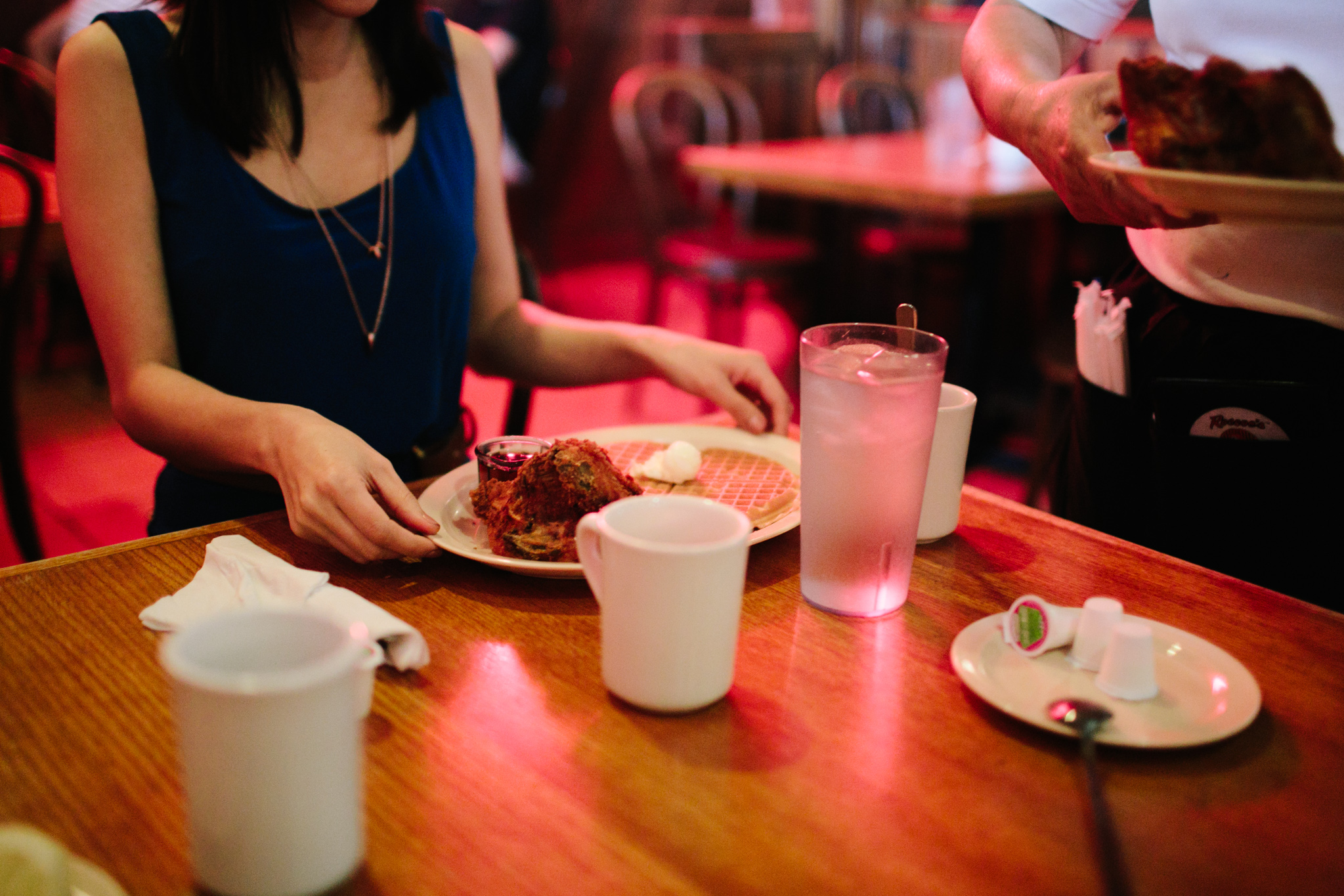 roscoes chicken and waffles engagement-112.jpg