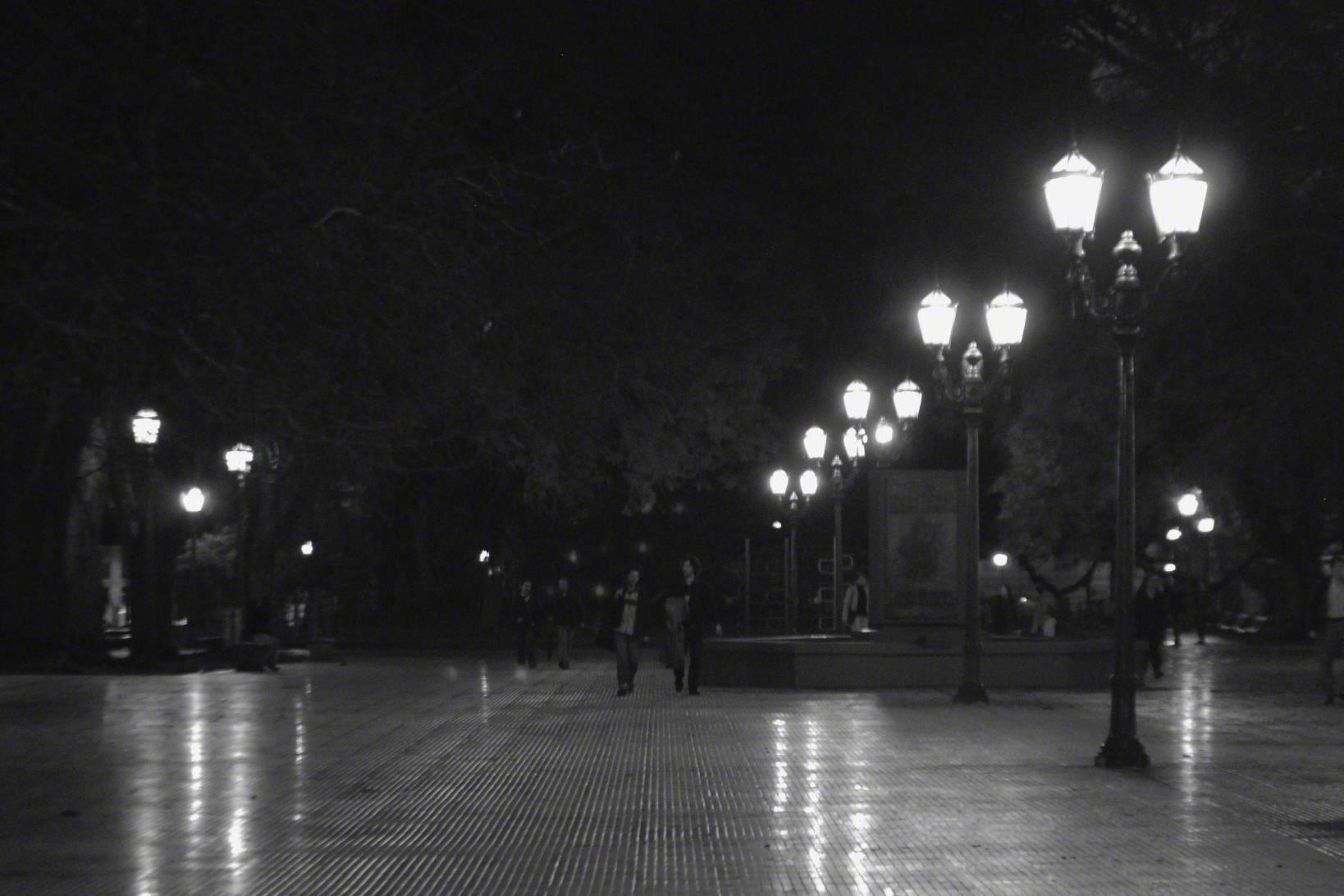 Night+time+in+Plaza+San+Martin.jpg