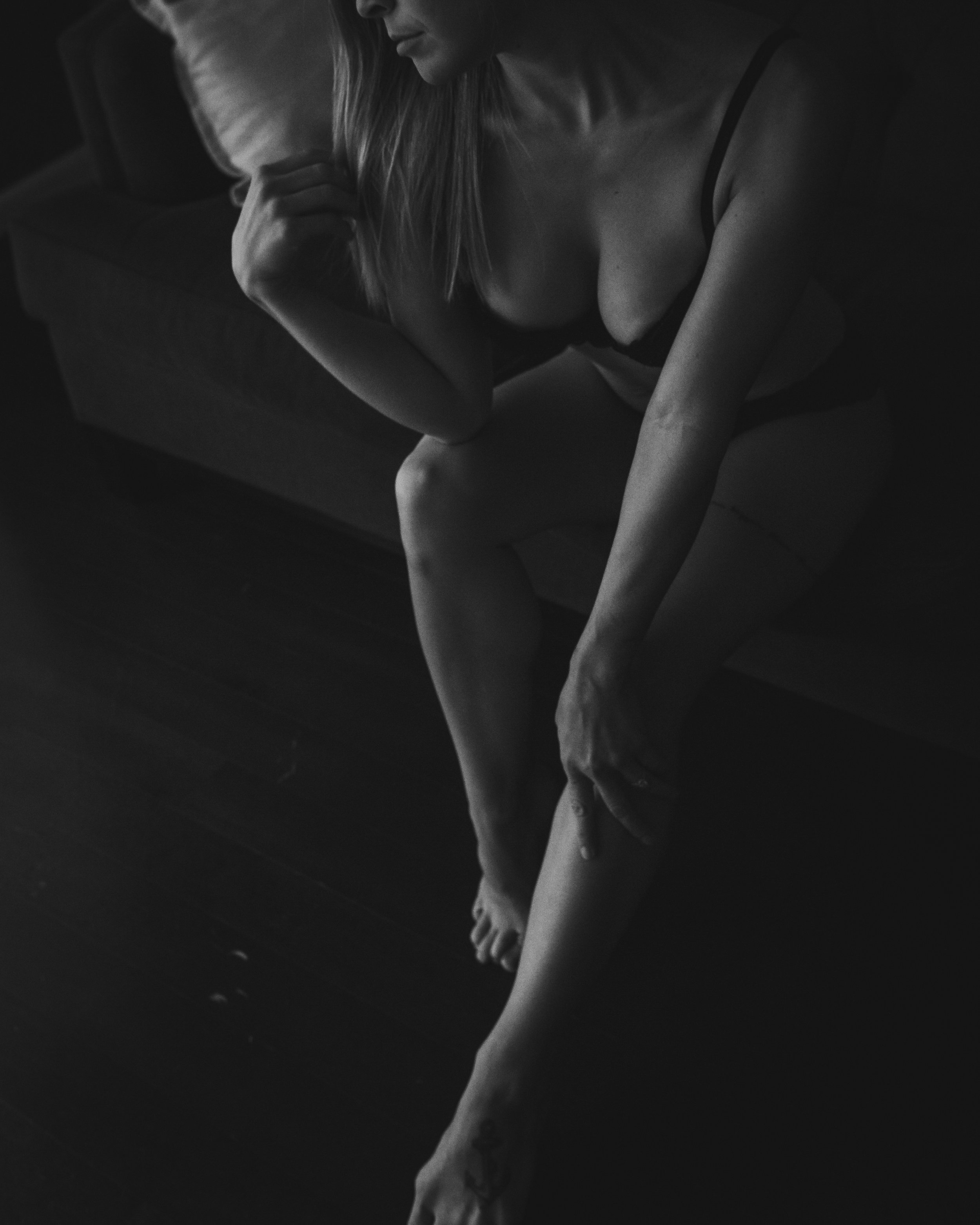 Nine19 Photography Raleigh NC Boudoir Photographer-0102.jpg
