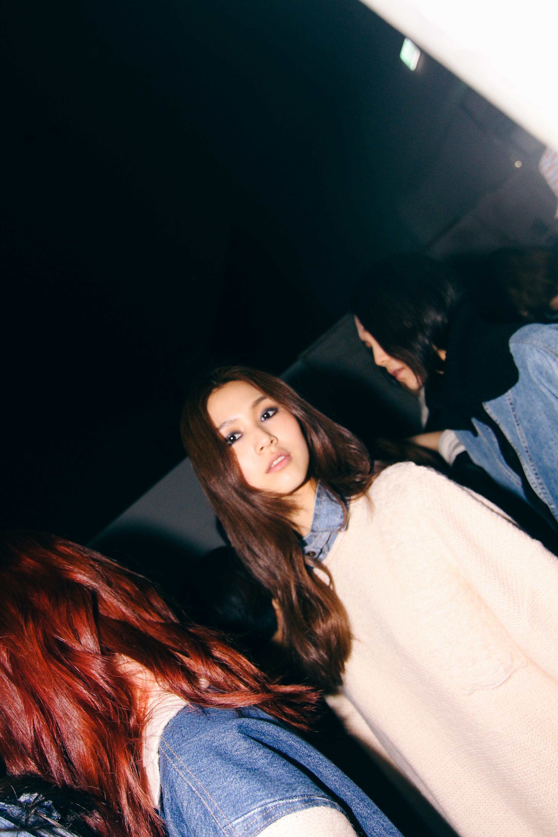 Backstage-SeoulFashionWeek-FW15-2
