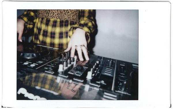 Polaroid-9.png