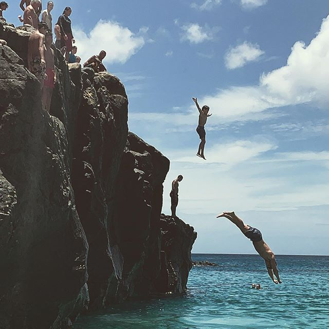 Summer fun... Waimea Bay! . . . #summer #fun #beach #ocean #cliffjumping #waimea #waimeabay #hawaii #hi #sand #sun #wunderlust