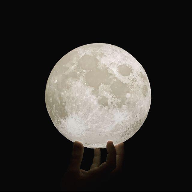 Reach out and touch the moon. Magical nights in Hawaii under the full moon. . . . #wunderlust #moon #fullmoon #hawai #nightsky #summer #summerdays #underamoonlitesky #koolina