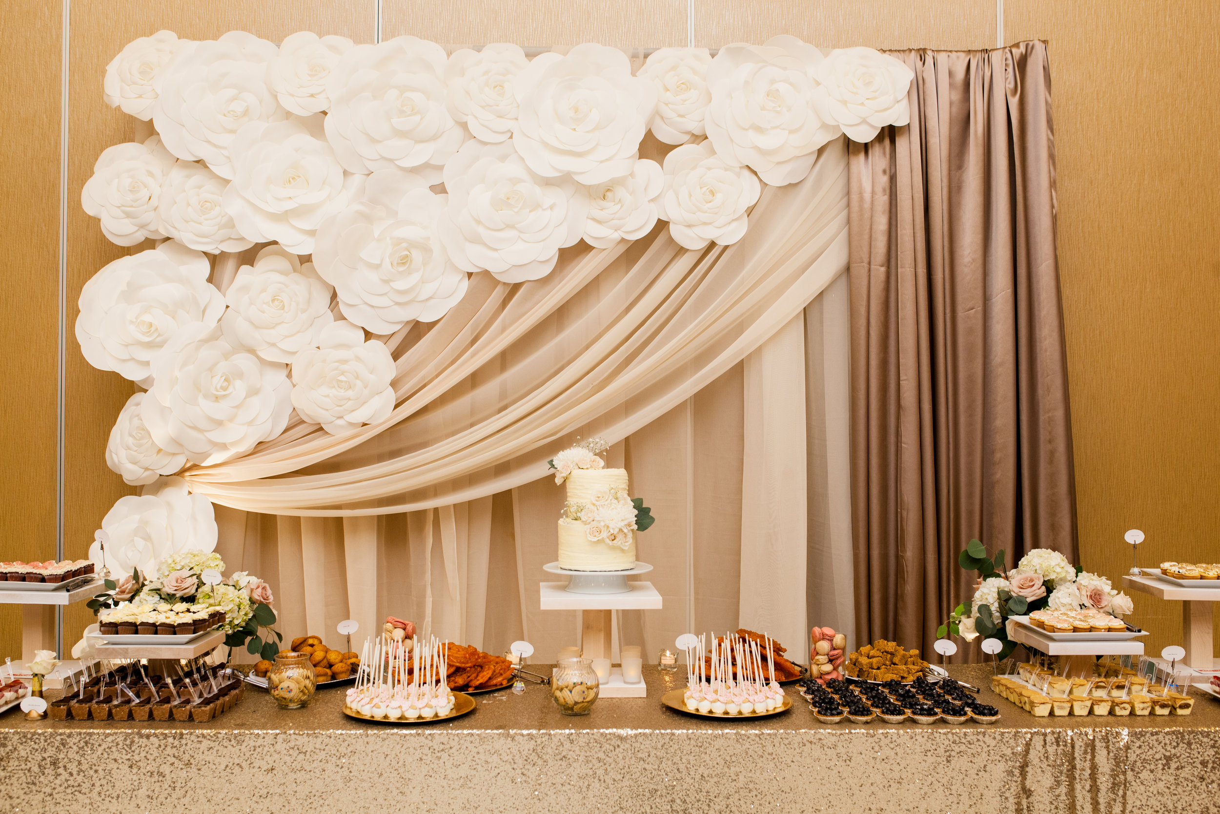 Dessert table frecious catering