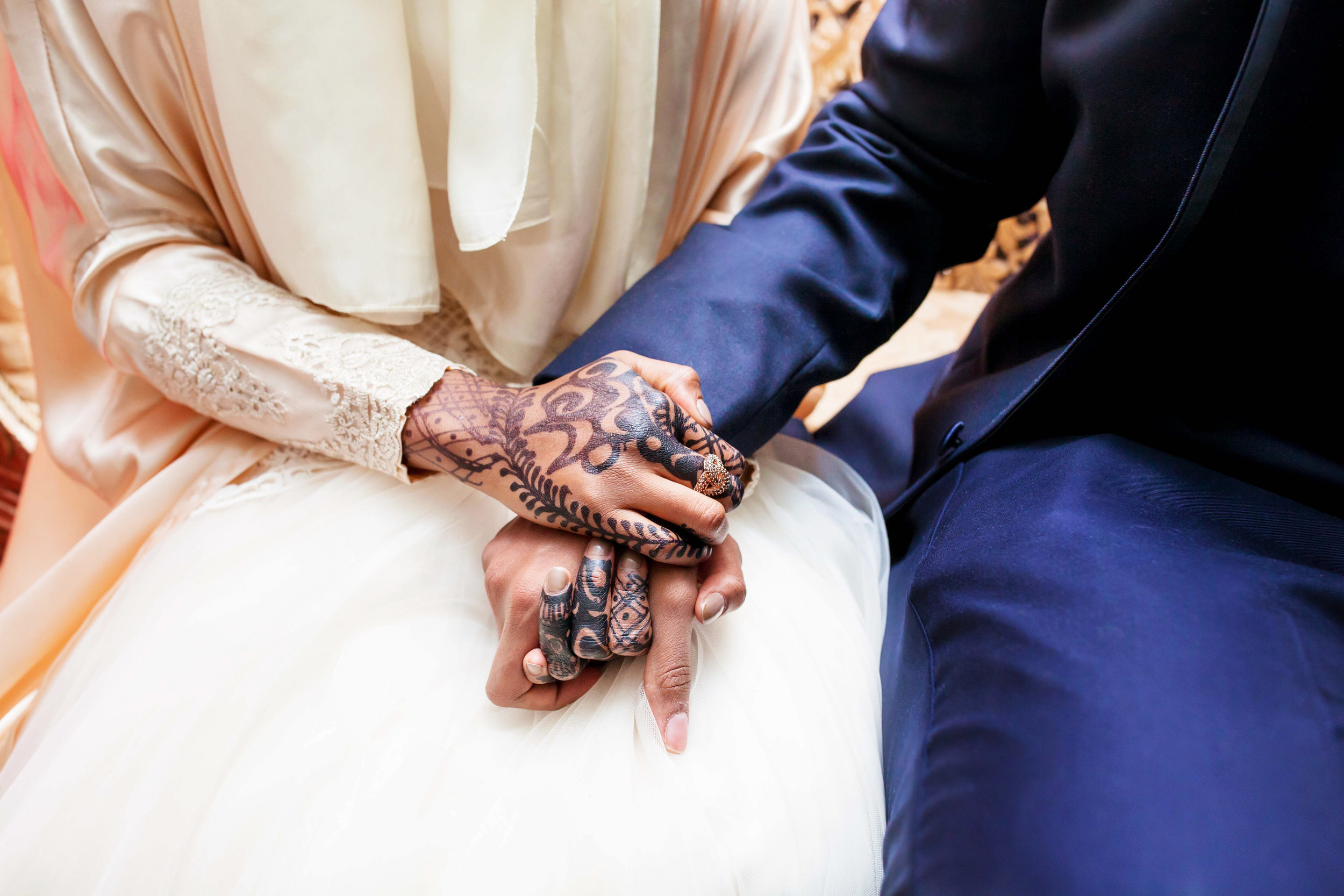 Toronto Wedding Photographer Glam Bright Photos Somali Weddings Habesha Eritrean Indian Kenyan Muslim Arab Ontario Ottawa Munaluchi Bride Karimah Gheddai Photography Eritrean Ethiopian International Destination Verdi Convention Airy Natural Light necklace bridal shoes Etobicoke pink African Pakistani