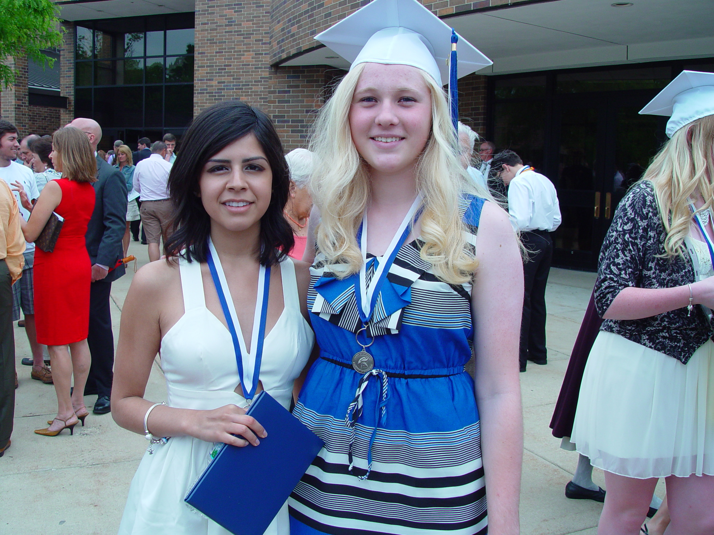 Alyssa & Liz GHS Grad_052013.JPG