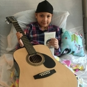 Name: Alexis Age: 10 Hometown: Glendale Heights, IL Gift: Acoustic Guitar  Read more...