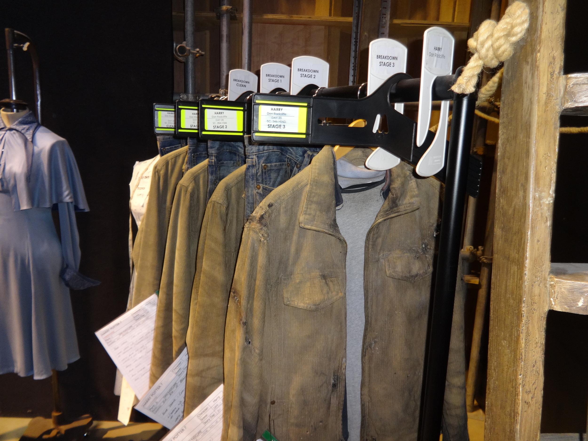 hogwarts - harry's clothes