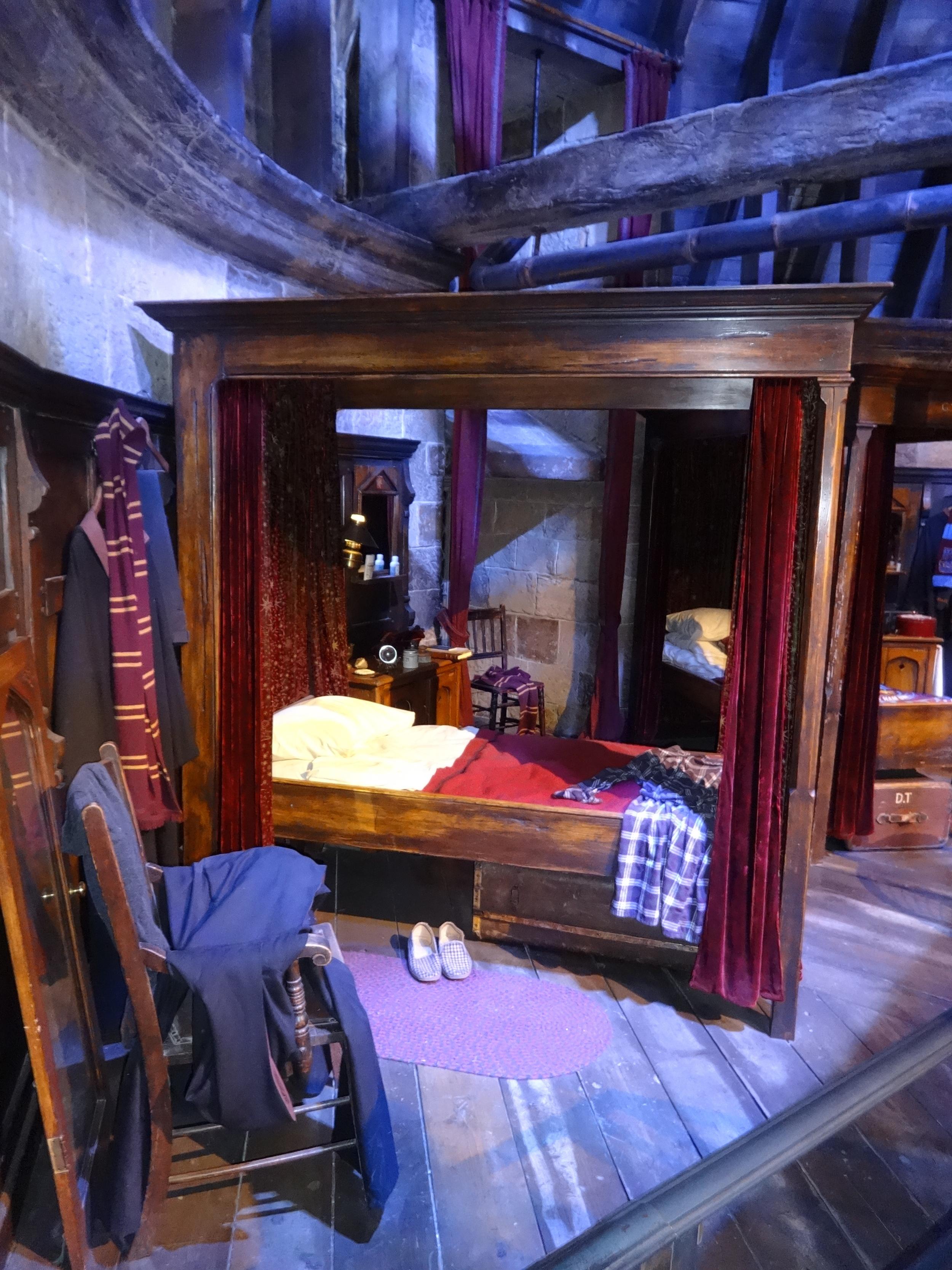 Harry's Bedroom in Hogwarts