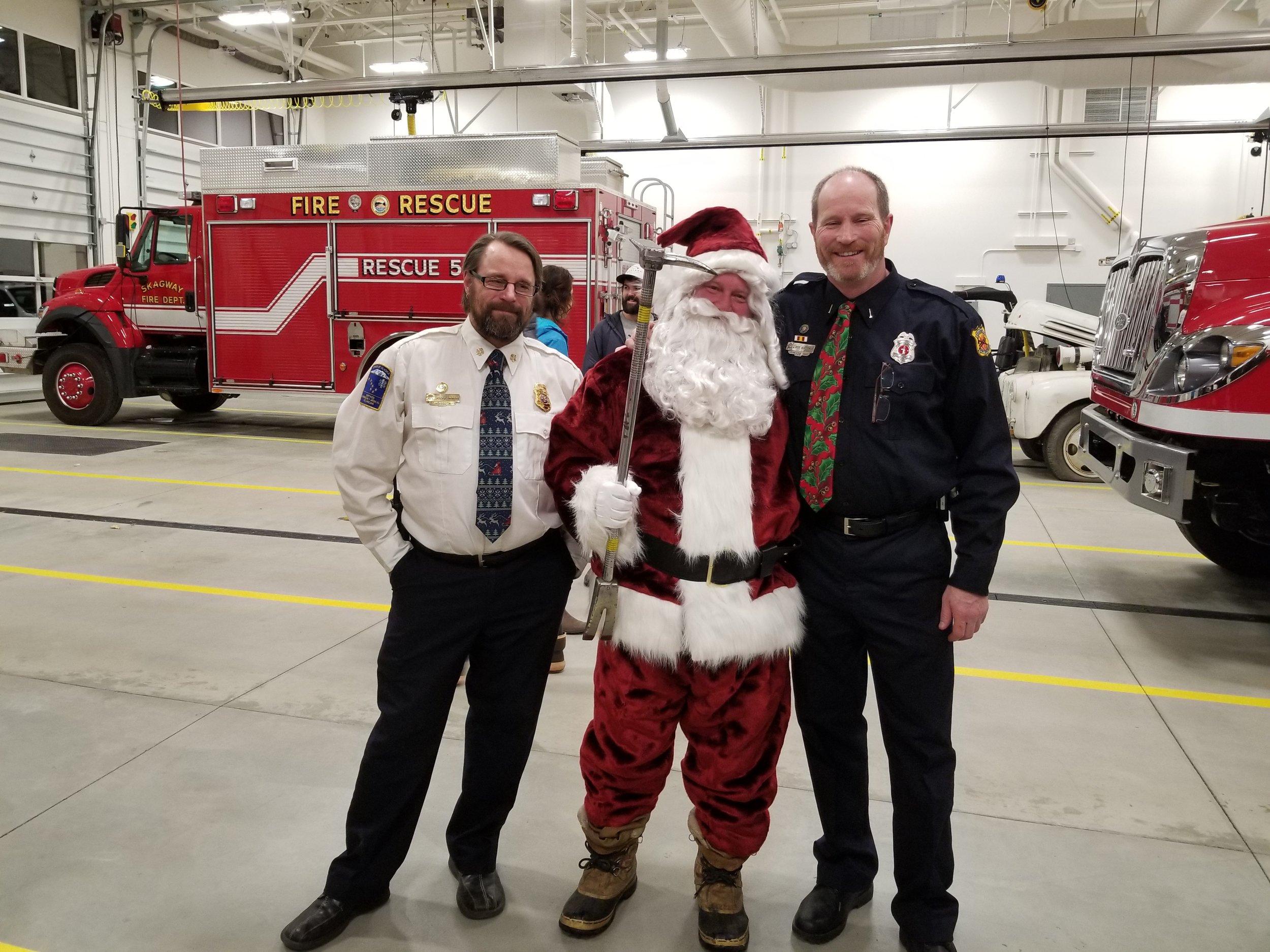 j & R & Santa.jpg