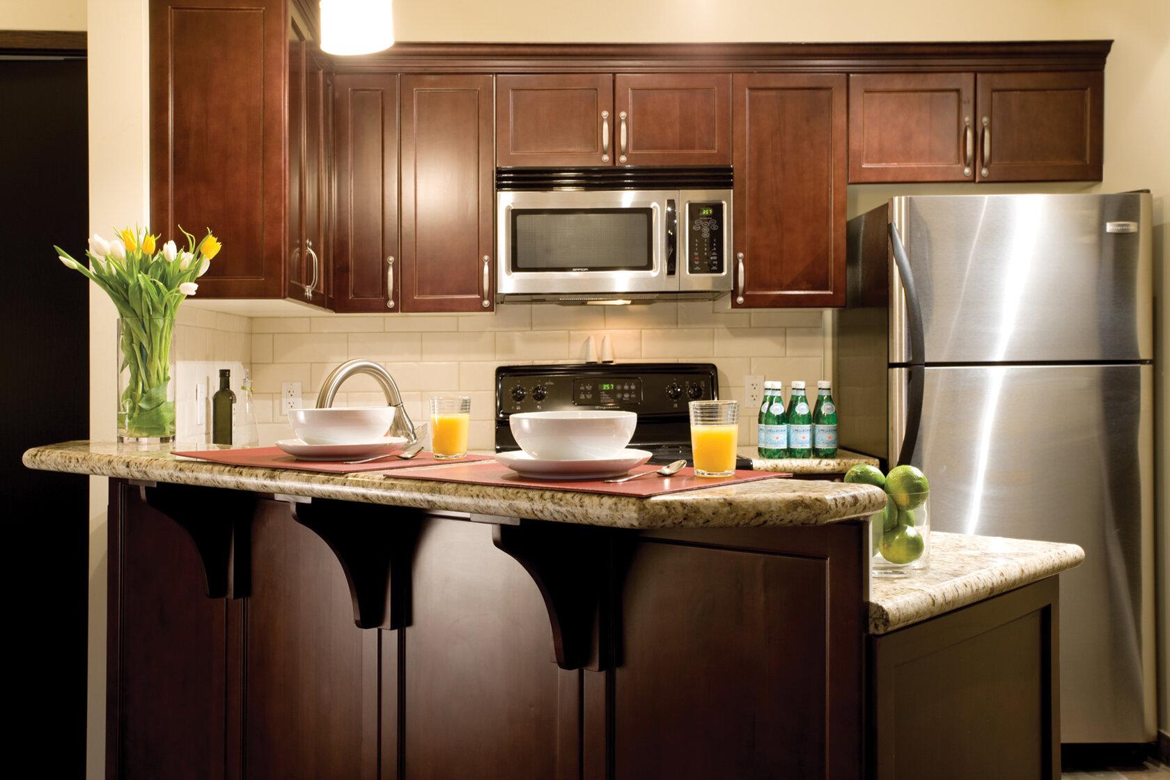 Kitchen Suite Close Up.jpg