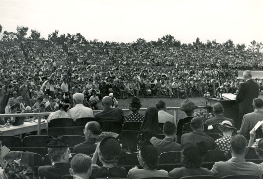 The crowd at the dedication of Everglades National Park
