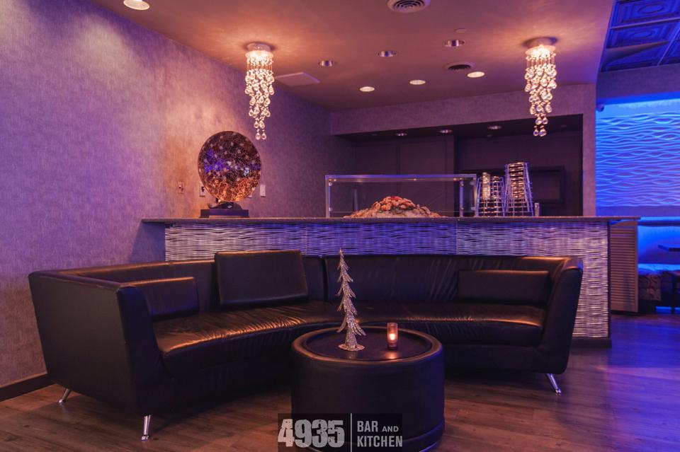 4935-bar-and-kitchen-08.jpg