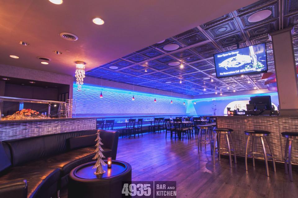 4935-bar-and-kitchen-09.jpg