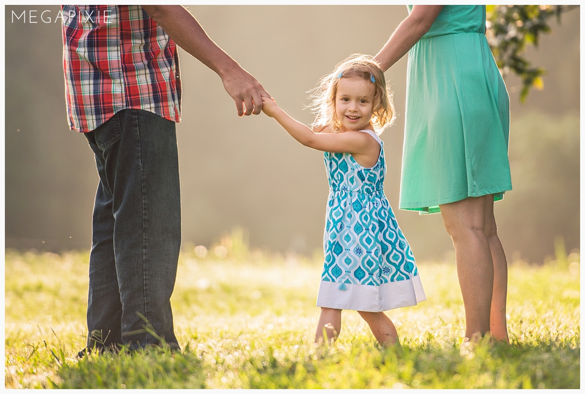 how to dress for a family portrait session