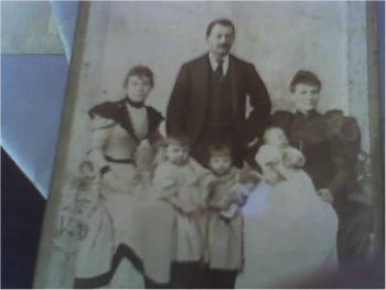 Samuel (Solly) and family: Wife Gertrude, daughters Rose and Tisha. And unkown woman and baby. Circa 1894.