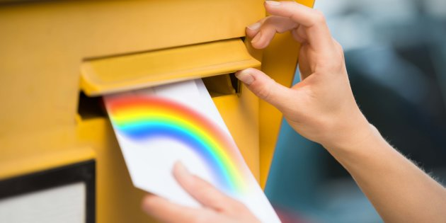 http-%2F%2Fo.aolcdn.com%2Fhss%2Fstorage%2Fmidas%2F25a09e5c344498a5f84af7efd7a6858a%2F205518434%2Fwomans-hands-inserting-letter-in-mailbox+%281%29.jpg