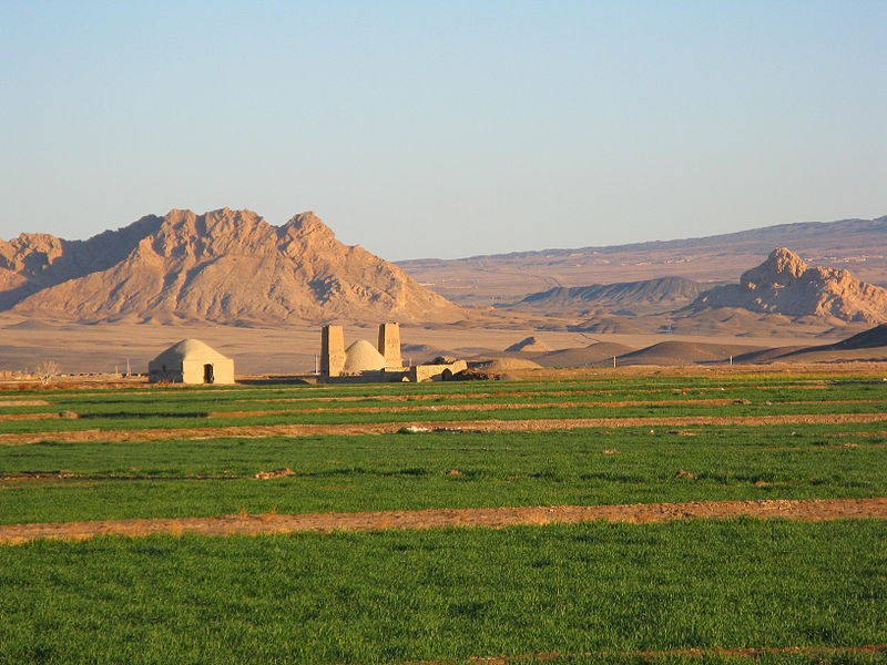 800px-Na'in_agriculture.JPG