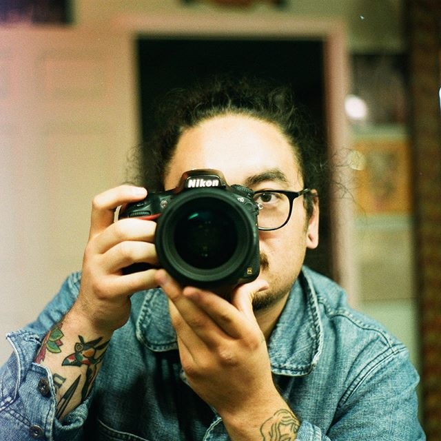 @dirtbagxchaz snapped me on his new (old) #pentax #pentaxk1000 #35mm Love seeing friends get into shooting film!