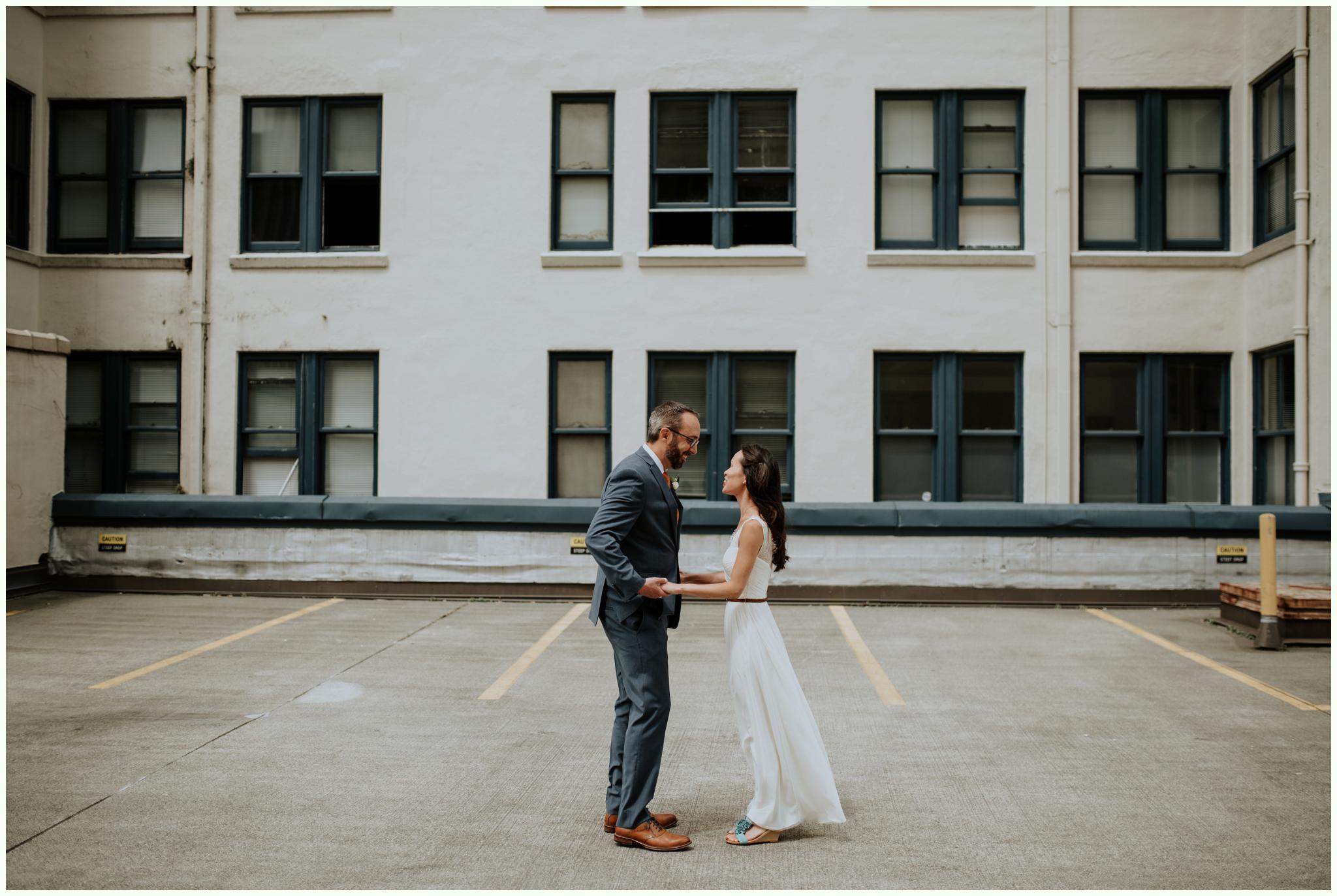 within-sodo-june-wedding-seattle-photographer-caitlyn-nikula-31.jpg
