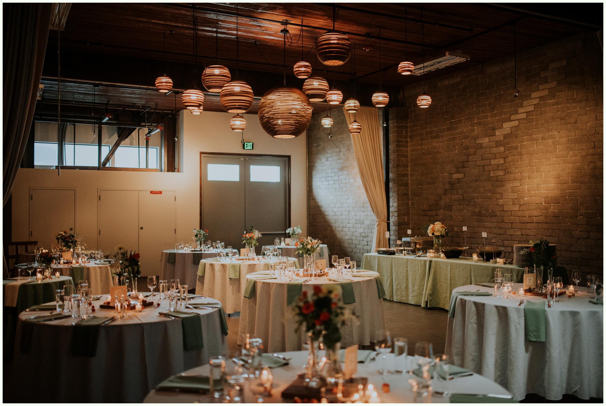 within-sodo-june-wedding-seattle-photographer-caitlyn-nikula-68.jpg