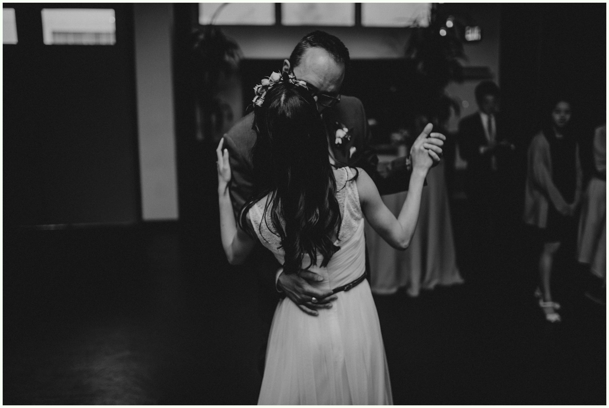 within-sodo-june-wedding-seattle-photographer-caitlyn-nikula-81.jpg