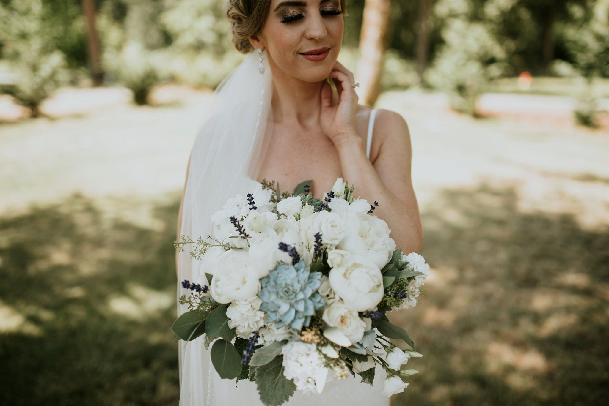 hollywood-school-house-wedding-seattle-photographer-caitlyn-nikula-30.jpg