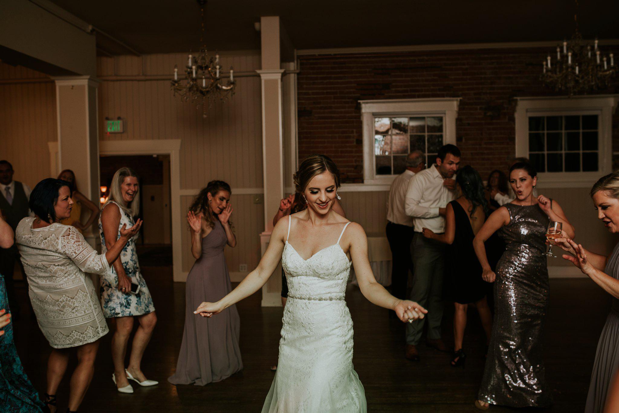 hollywood-school-house-wedding-seattle-photographer-caitlyn-nikula-124.jpg