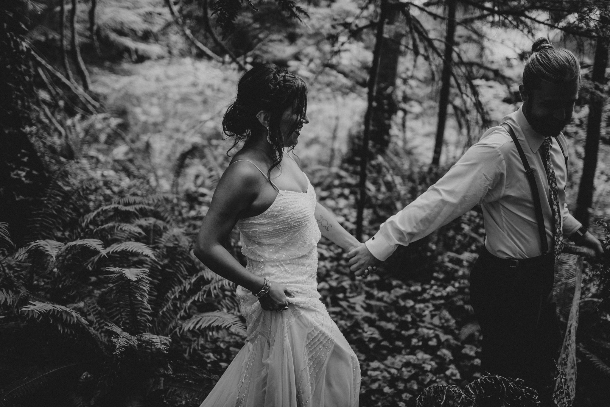 intimate-boho-campfire-wedding-shangri-la-on-the-green-seattle-wedding-photographer-caitlyn-nikula-photography-81.jpg