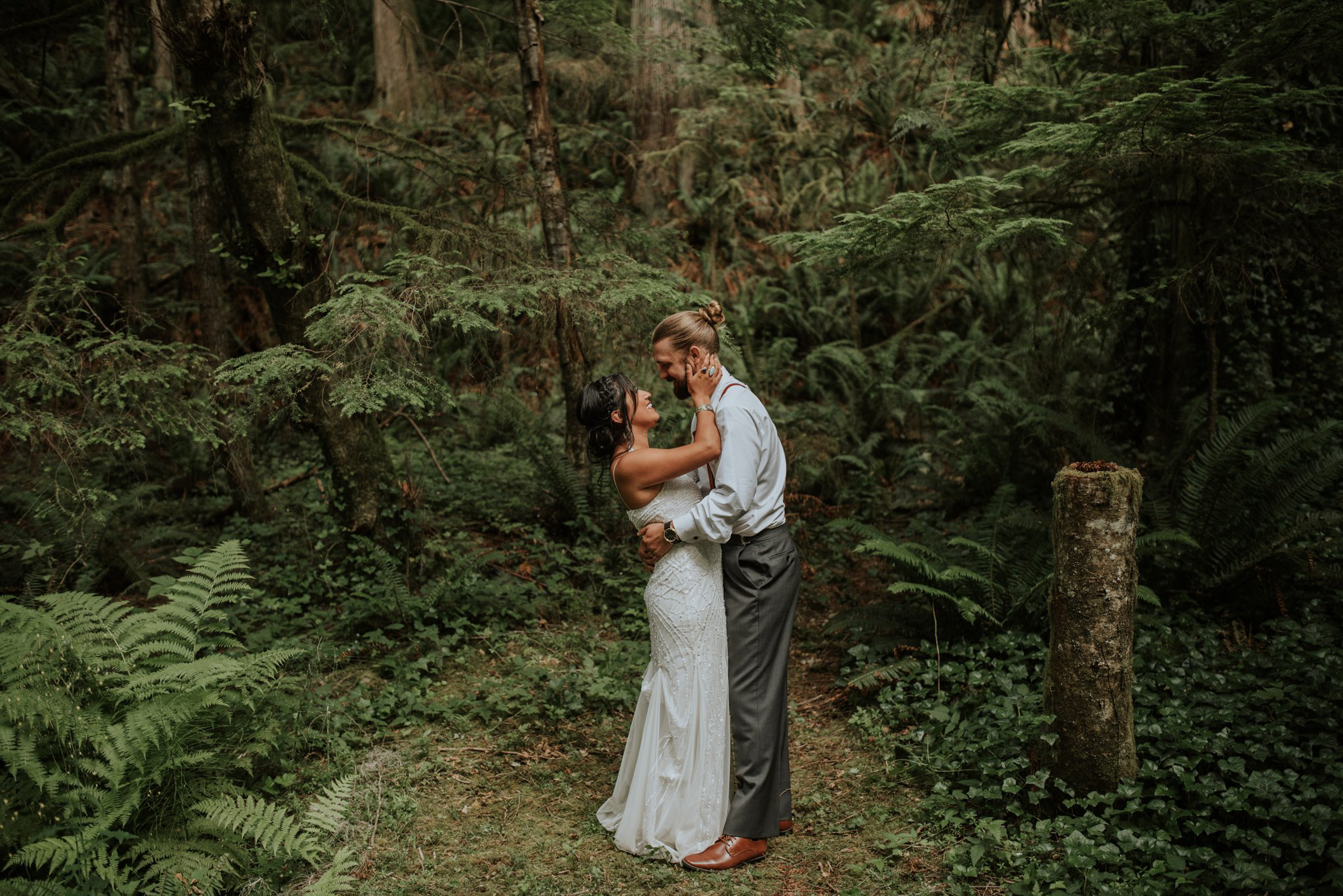 intimate-boho-campfire-wedding-shangri-la-on-the-green-seattle-wedding-photographer-caitlyn-nikula-photography-83.jpg