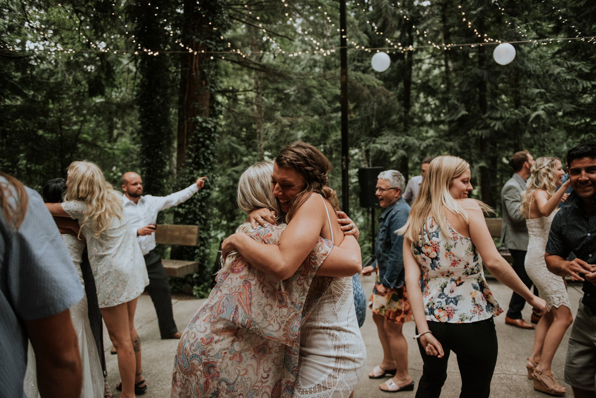 intimate-boho-campfire-wedding-shangri-la-on-the-green-seattle-wedding-photographer-caitlyn-nikula-photography-123.jpg