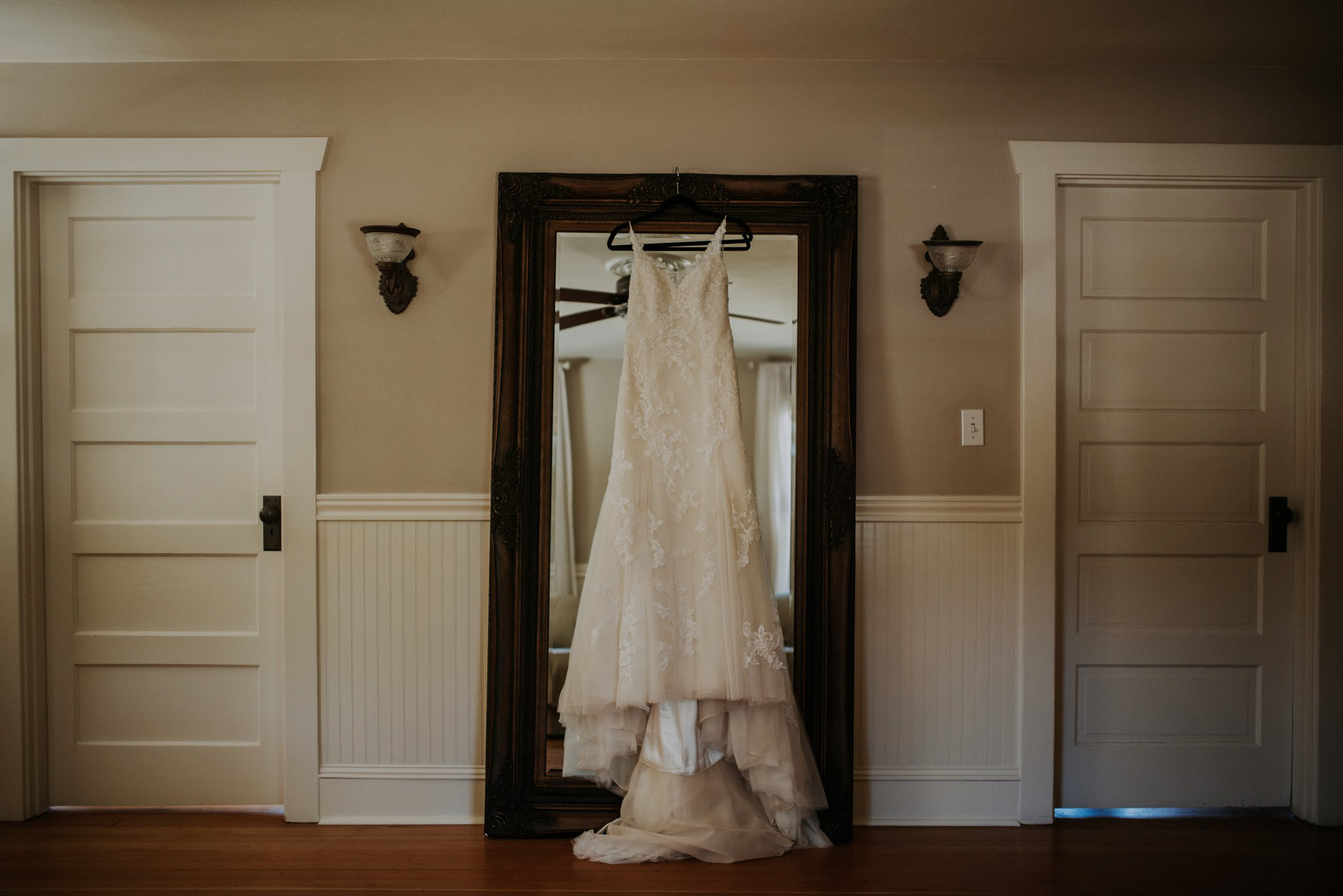 kristen-and-cody-the-kelley-farm-wedding-seattle-photographer-caitlyn-nikula-1.jpg