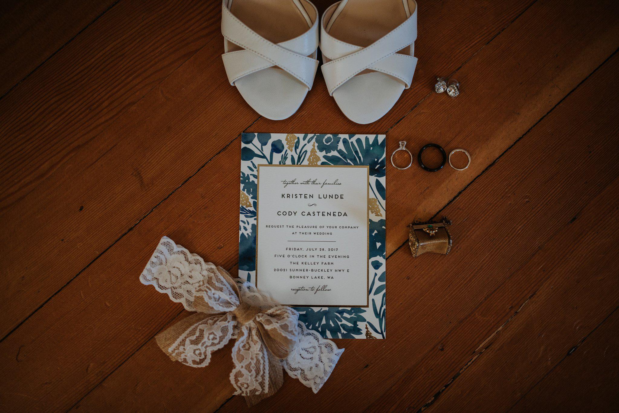 kristen-and-cody-the-kelley-farm-wedding-seattle-photographer-caitlyn-nikula-4.jpg