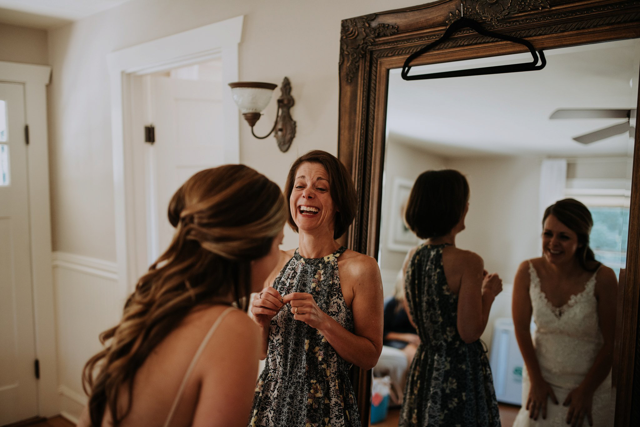 kristen-and-cody-the-kelley-farm-wedding-seattle-photographer-caitlyn-nikula-16.jpg