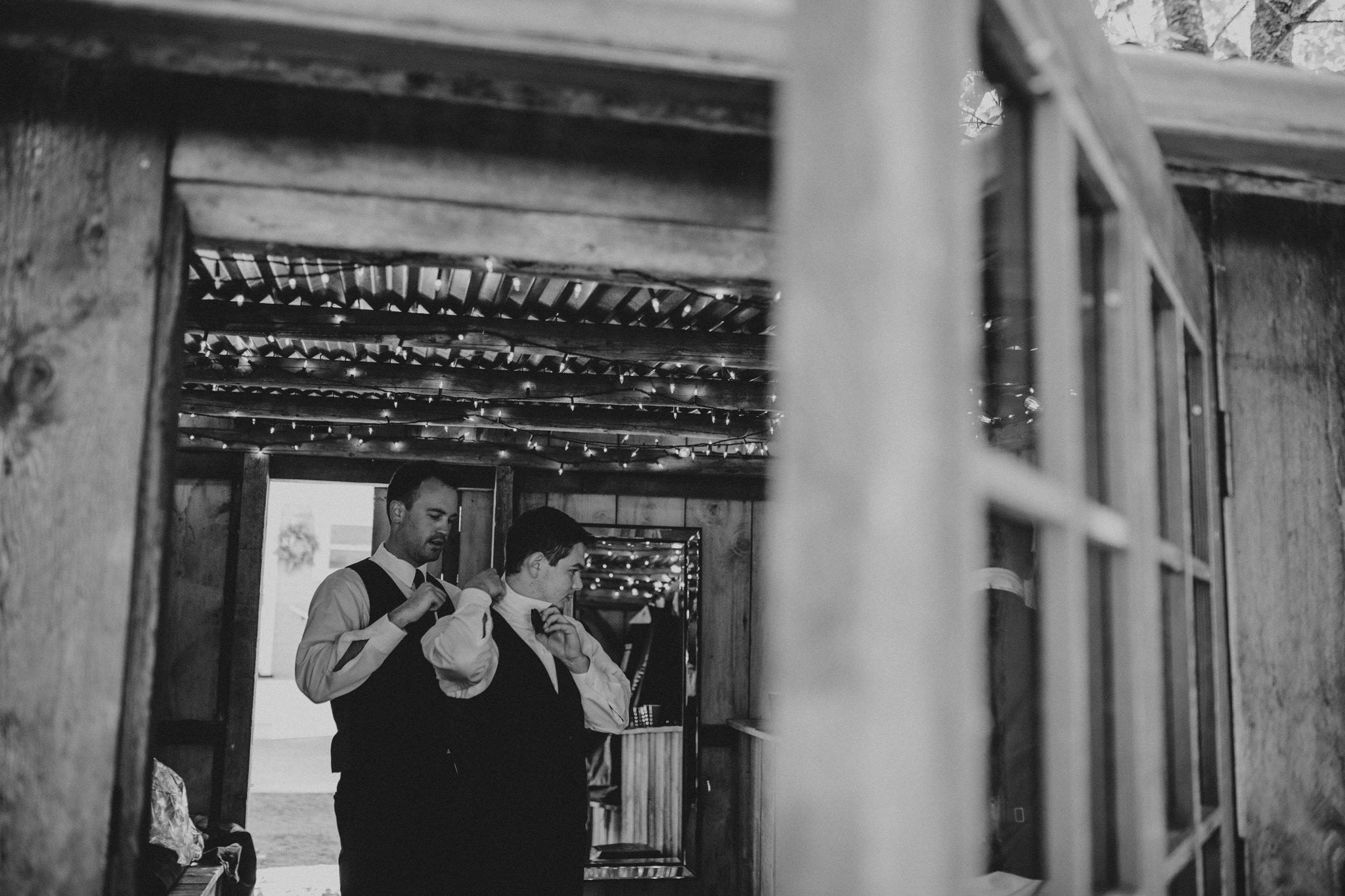 kristen-and-cody-the-kelley-farm-wedding-seattle-photographer-caitlyn-nikula-23.jpg