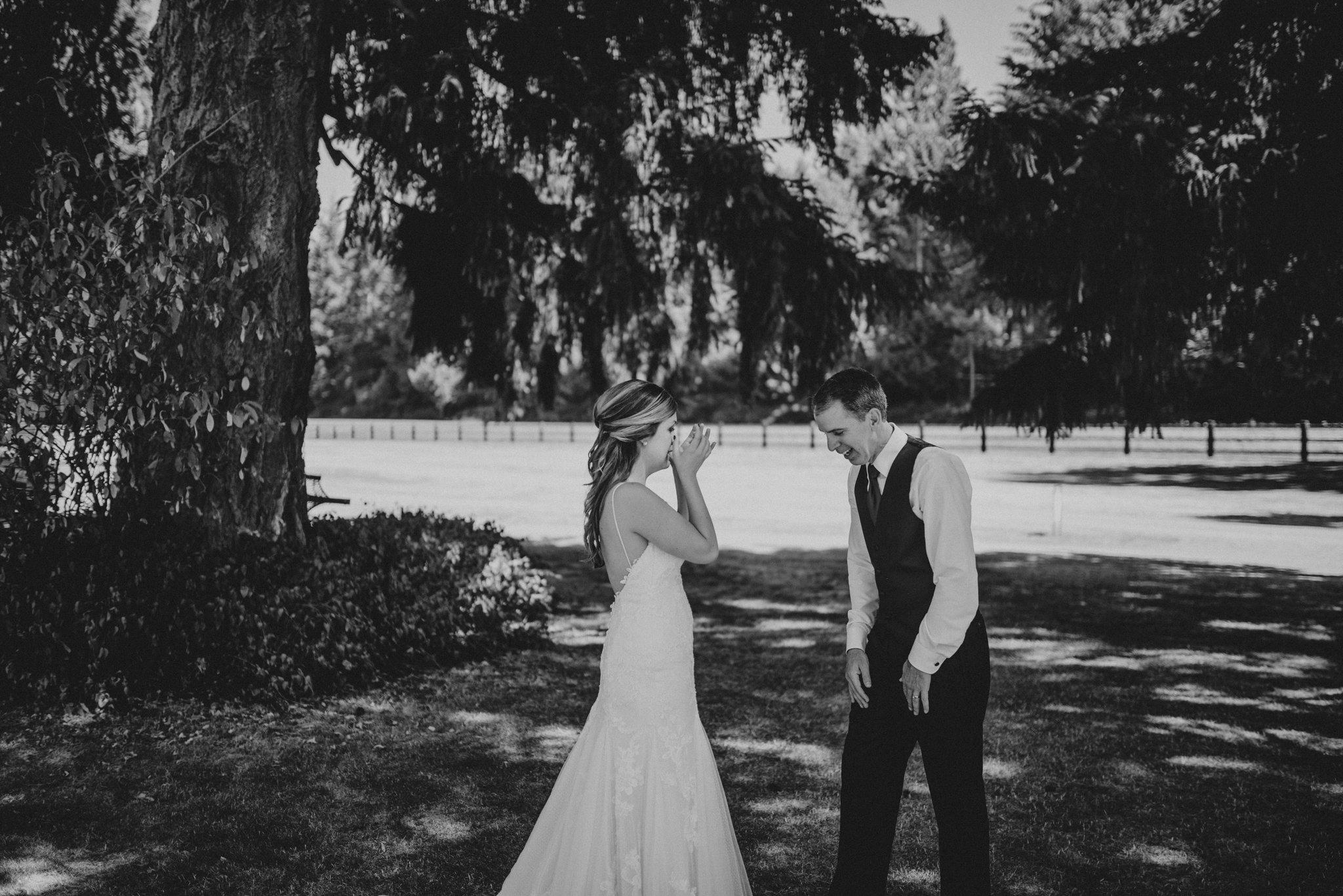 kristen-and-cody-the-kelley-farm-wedding-seattle-photographer-caitlyn-nikula-28.jpg