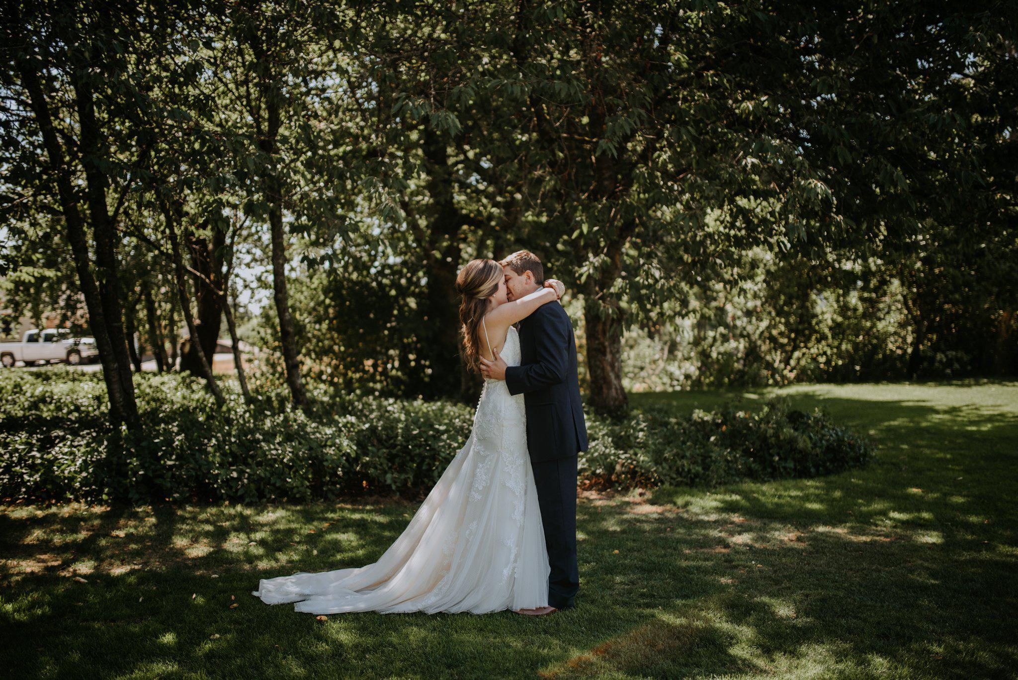 kristen-and-cody-the-kelley-farm-wedding-seattle-photographer-caitlyn-nikula-33.jpg