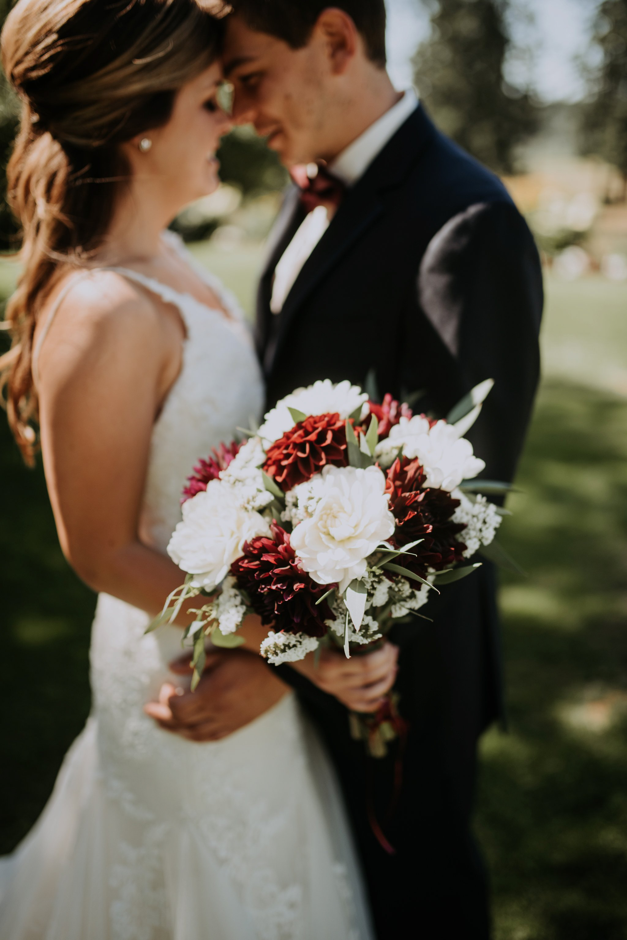 kristen-and-cody-the-kelley-farm-wedding-seattle-photographer-caitlyn-nikula-35.jpg