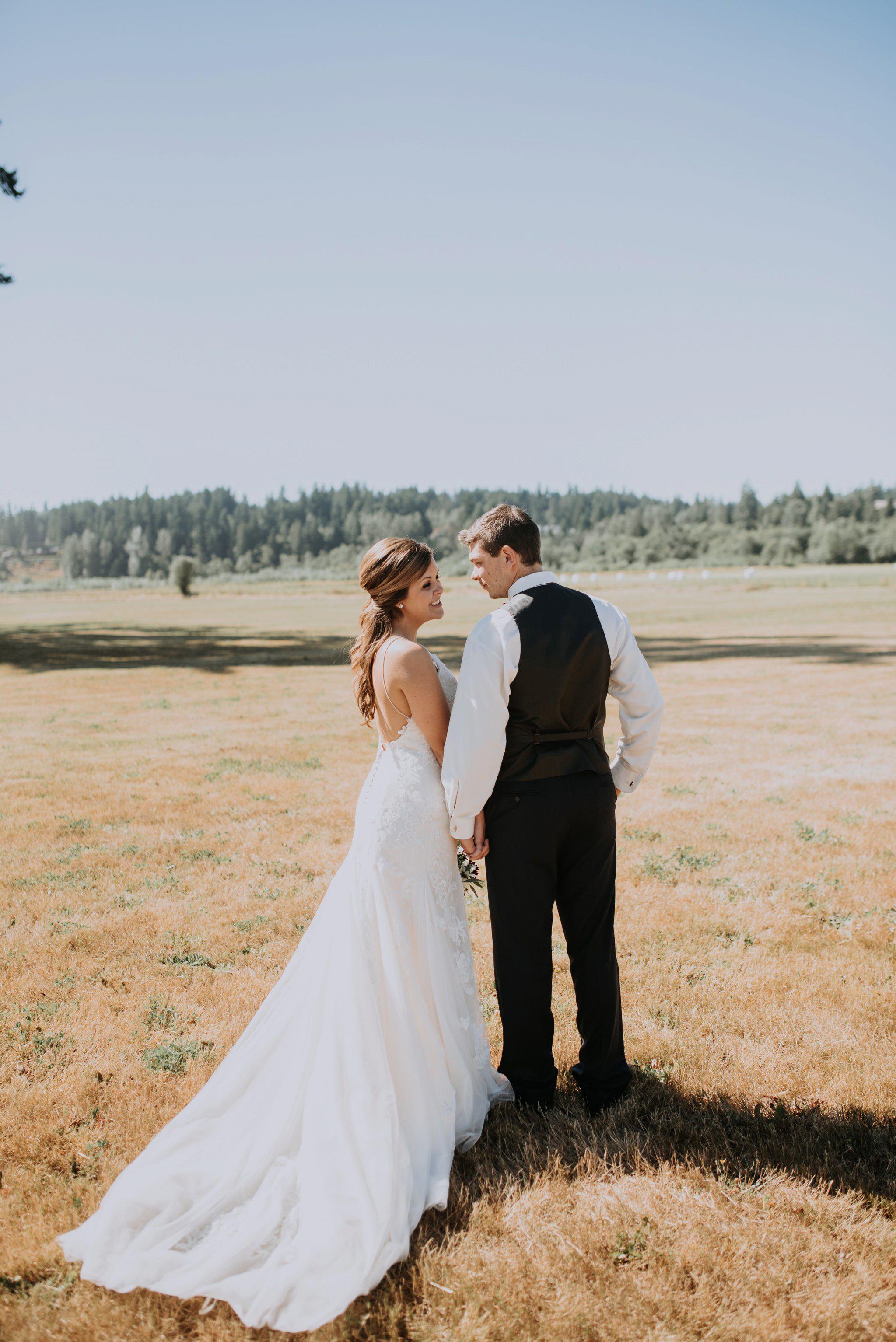 kristen-and-cody-the-kelley-farm-wedding-seattle-photographer-caitlyn-nikula-45.jpg
