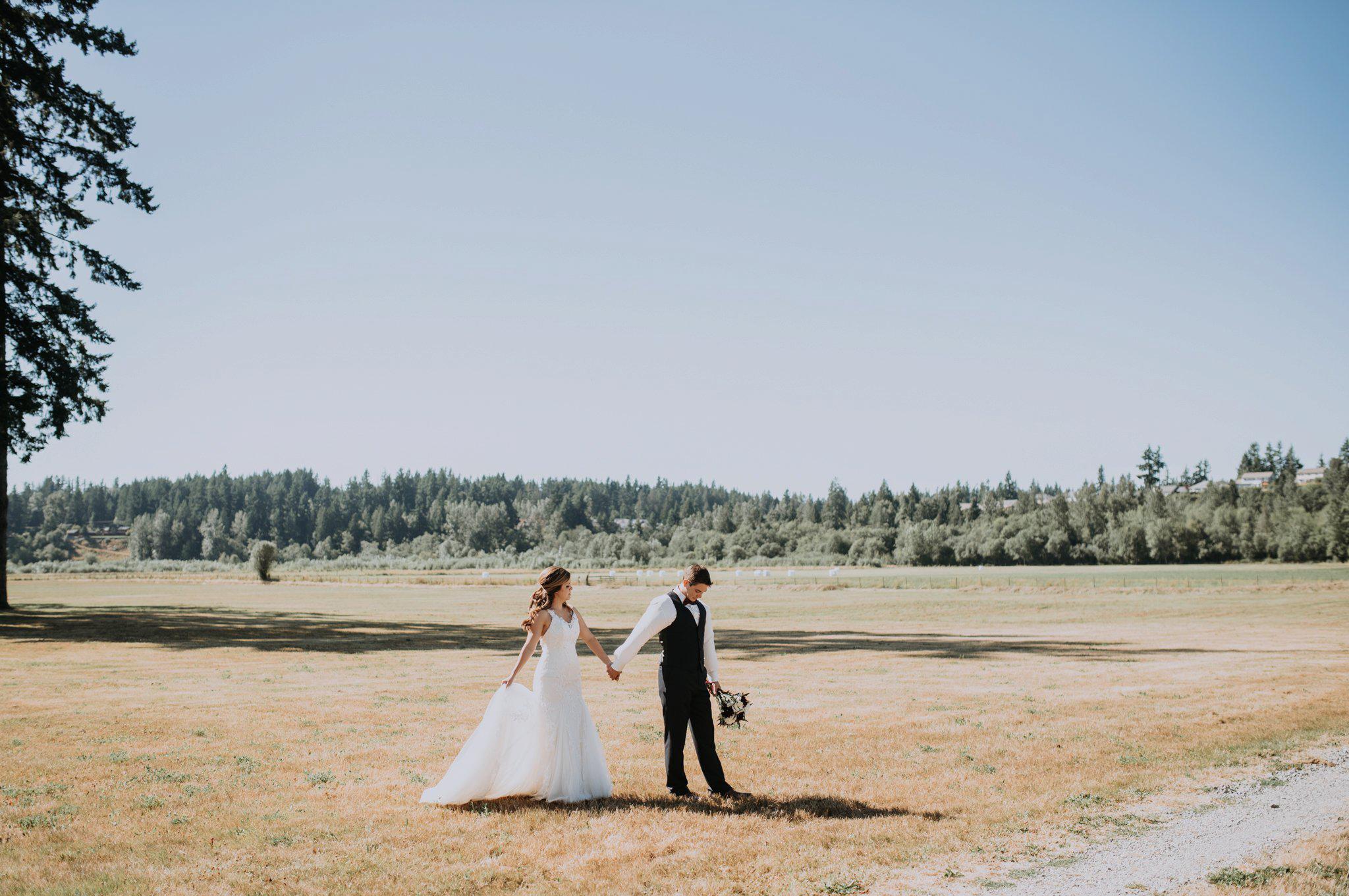kristen-and-cody-the-kelley-farm-wedding-seattle-photographer-caitlyn-nikula-52.jpg